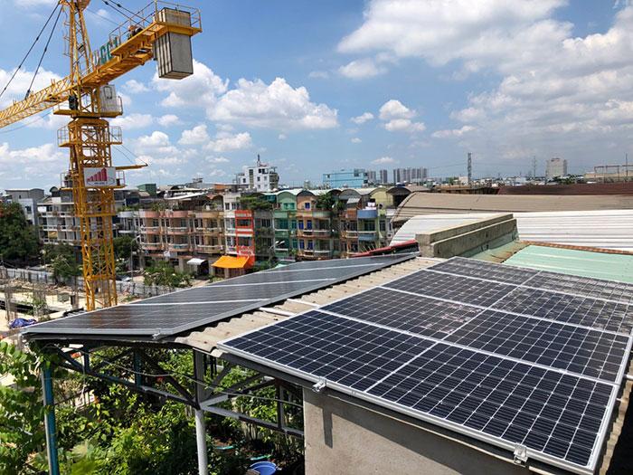 Dự án điện năng lượng mặt trời hòa lưới 5KWP cho anh Huân ở Quận 8 2