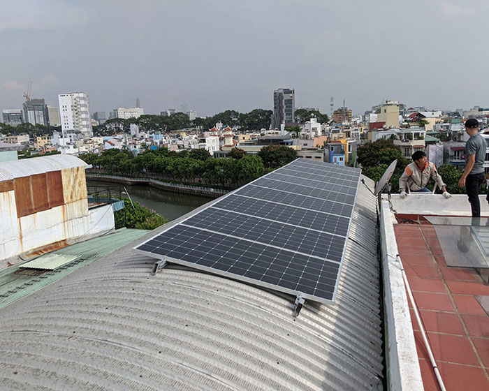Dự án lắp đặt hệ thống hòa lưới điện mặt trời 4KWp ở Phú Nhuận 4
