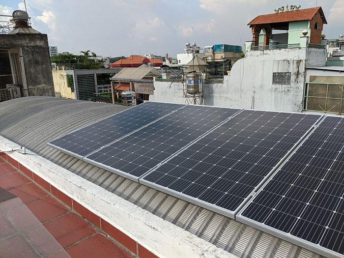 Dự án lắp đặt hệ thống hòa lưới điện mặt trời 4KWp ở Phú Nhuận 5