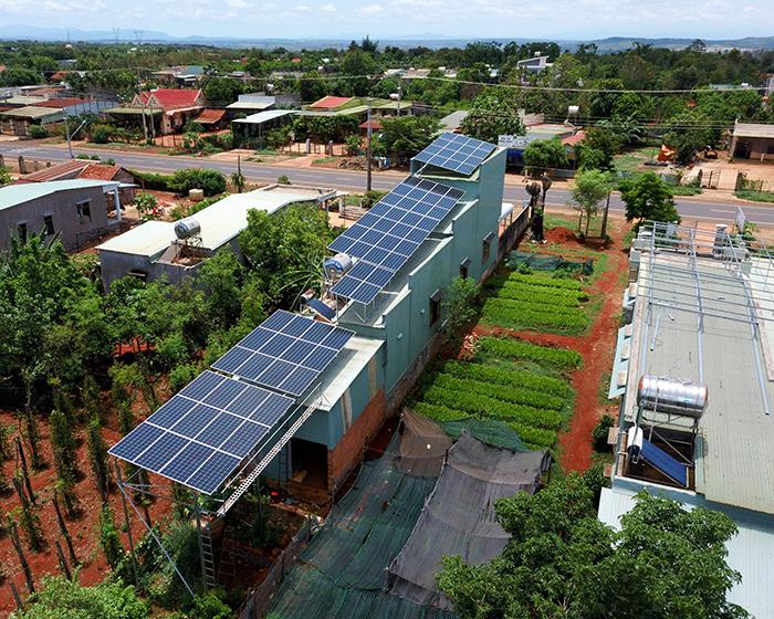 Thi công dự án điện năng lượng mặt trời hòa lưới 28KWP ở Gia Lai 11
