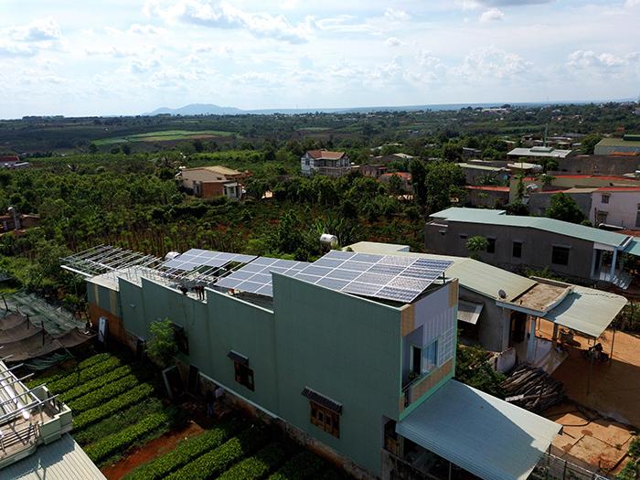 Thi công dự án điện năng lượng mặt trời hòa lưới 28KWP ở Gia Lai 6