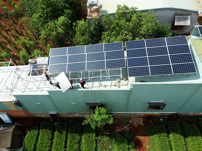Thi công dự án điện năng lượng mặt trời hòa lưới 28KWP ở Gia Lai 9