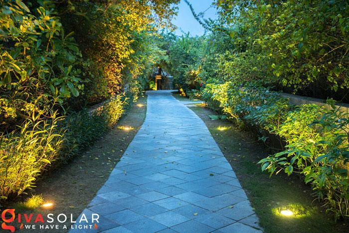 ý tưởng trang trí cảnh quan sân vườn thêm ấn tượng với đèn 11