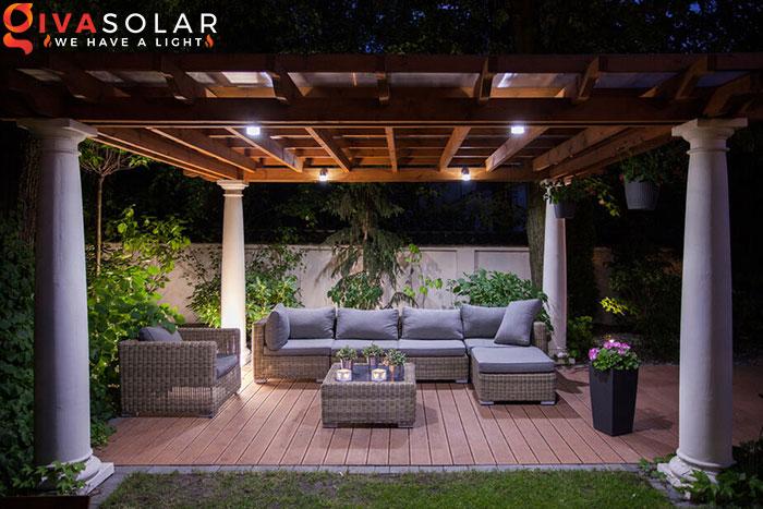 ý tưởng trang trí cảnh quan sân vườn thêm ấn tượng với đèn 21