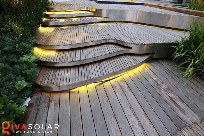 ý tưởng trang trí cảnh quan sân vườn thêm ấn tượng với đèn 3