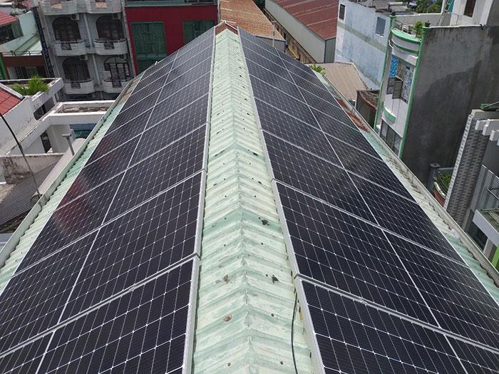 Dự án điện năng lượng mặt trời áp mái 9KW cho anh Hưng ở Tân Phú 5