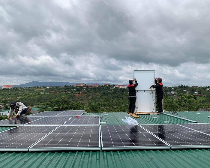 điện năng lượng mặt trời hòa lưới 45KW cho anh Cừ ở Đắk Nông 7
