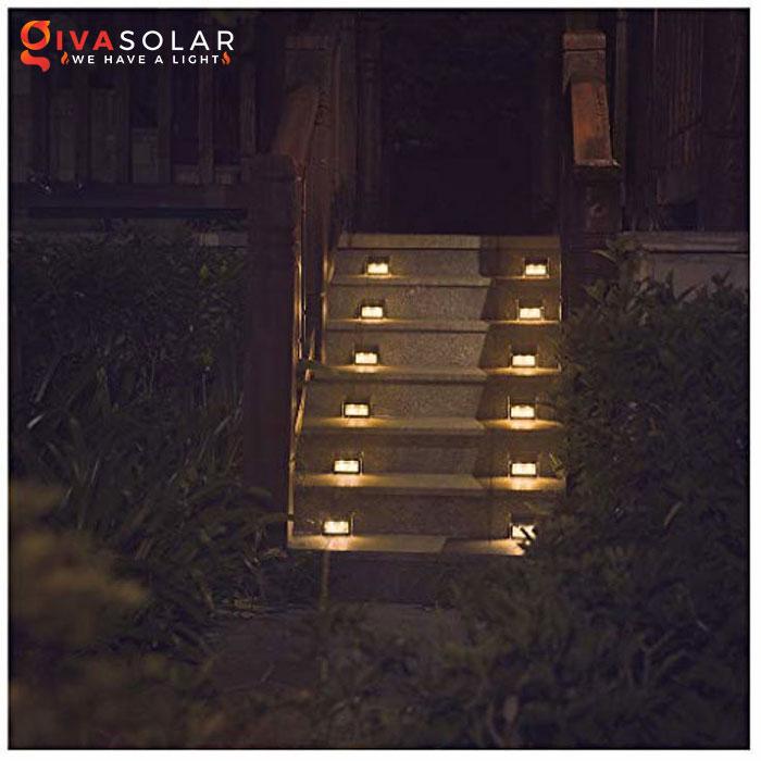 ý tưởng chiếu sáng và trang trí cầu thang với đèn năng lượng mặt trời 11
