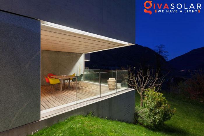 ý tưởng chiếu sáng và trang trí cầu thang với đèn năng lượng mặt trời 13