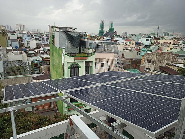 hệ thống điện mặt trời hòa lưới 5KW cho anh Minh ở Tân Bình 4