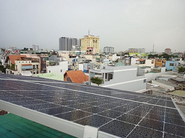 hệ thống điện mặt trời hòa lưới 5KW cho anh Minh ở Tân Bình 5