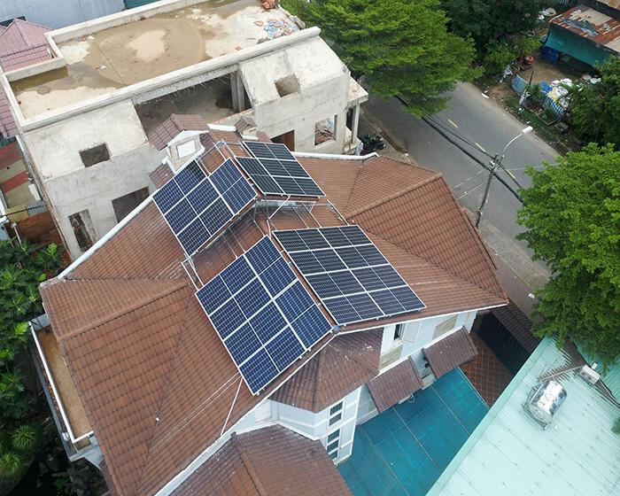 hòa lưới điện mặt trời cho gia đình anh Tuấn ở Bình Tân với 10KW 5