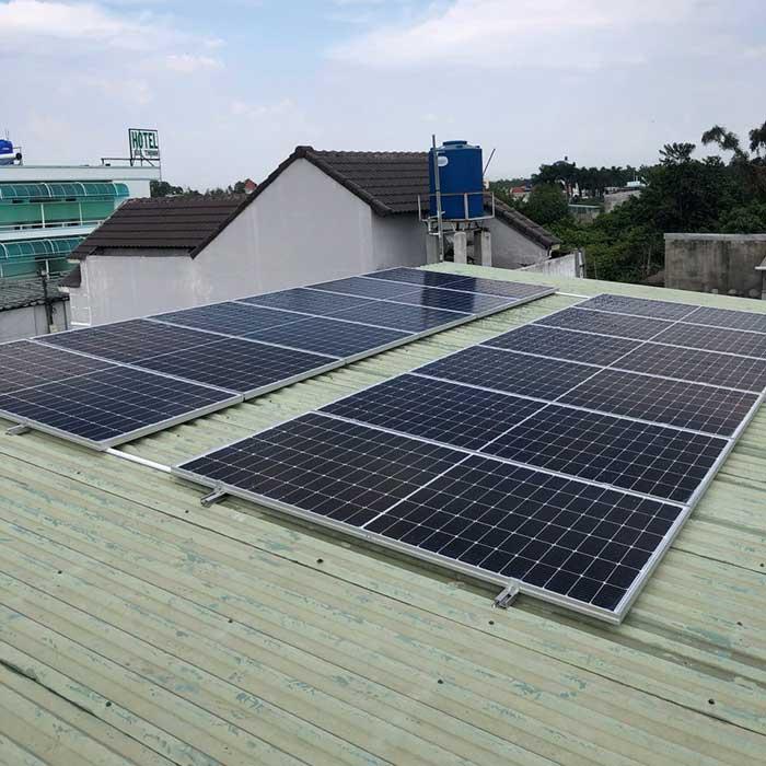 Lắp đặt hệ thống điện mặt trời 5KW cho chú Cảnh ở Bình Chánh 2