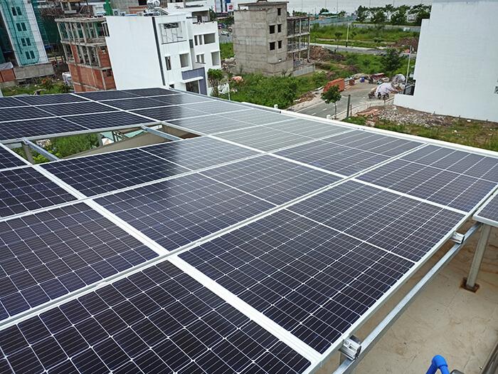 Lắp đặt điện mặt trời hòa lưới 9KW cho Chú Tuấn ở Quận 2