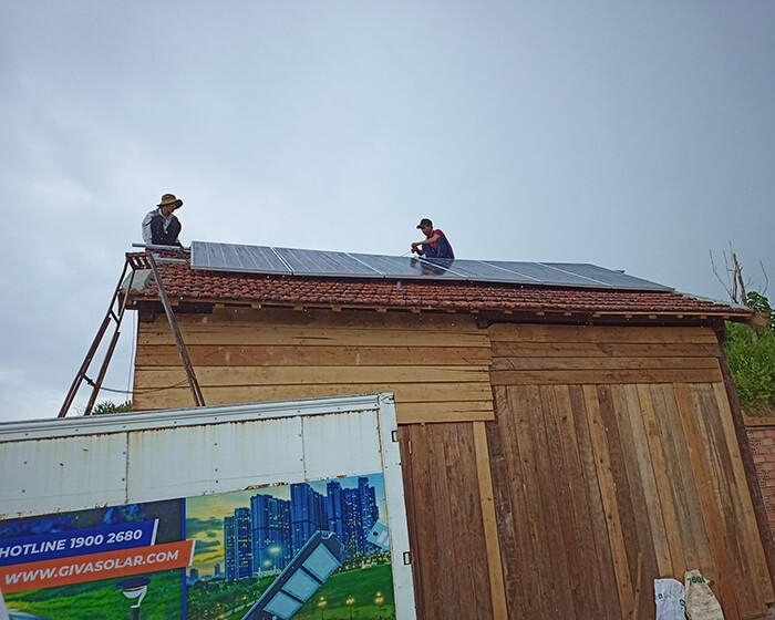 Hệ thống điện mặt trời độc lập 2.6KW ở Đắk Nông 5