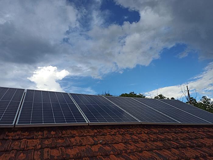 Hệ thống điện mặt trời độc lập 2.6KW ở Đắk Nông 7