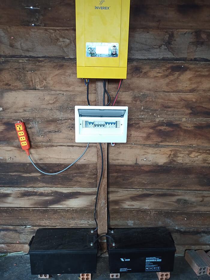 Hệ thống điện mặt trời độc lập 2.6KW ở Đắk Nông 8