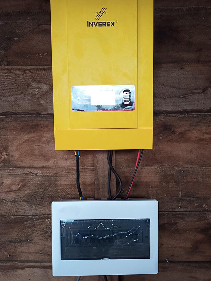 Hệ thống điện mặt trời độc lập 2.6KW ở Đắk Nông 9