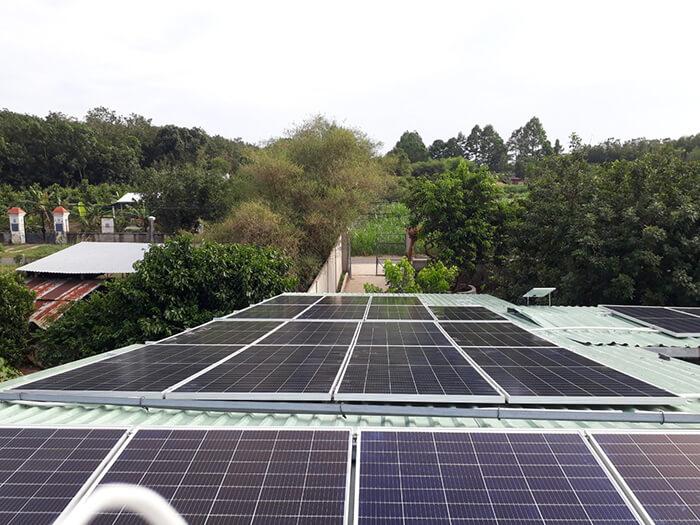 Dự án hòa lưới năng lượng mặt trời 15KW cho gia đình anh Sơn Củ Chi 4