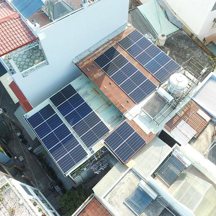 Hệ thống hòa lưới lưu trữ điện mặt trời 10KW cho anh Nhật tại Tân Bình 2