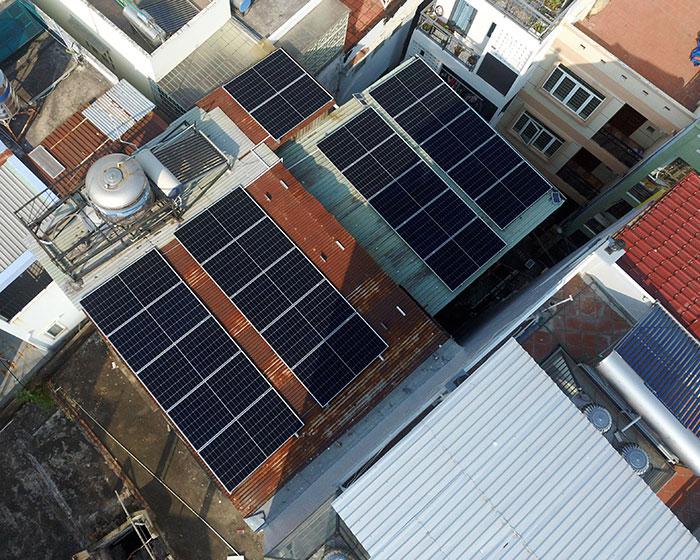 Hệ thống hòa lưới lưu trữ điện mặt trời 10KW cho anh Nhật tại Tân Bình 4