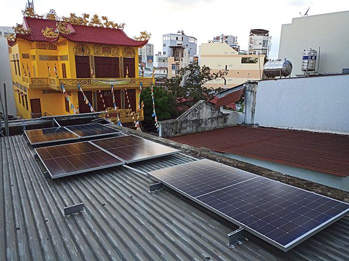 Dự án điện mặt trời hòa lưới bám tải 6KW cho anh Thiện ở Gò Vấp 5