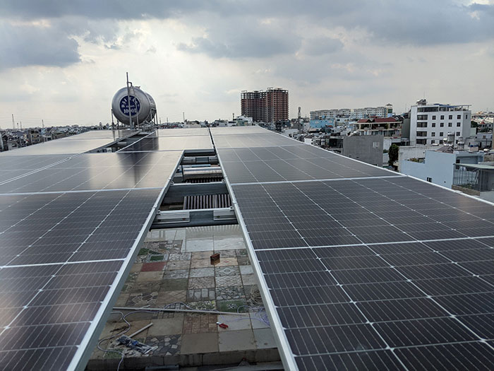 Dự án điện mặt trời hòa lưới bám tải 8KW anh Phóng ở Bình Tân 2