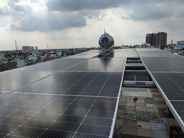 Dự án điện mặt trời hòa lưới bám tải 8KW anh Phóng ở Bình Tân 3