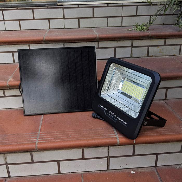 Đèn pha Led năng lượng mặt trời 60W GV9960 1