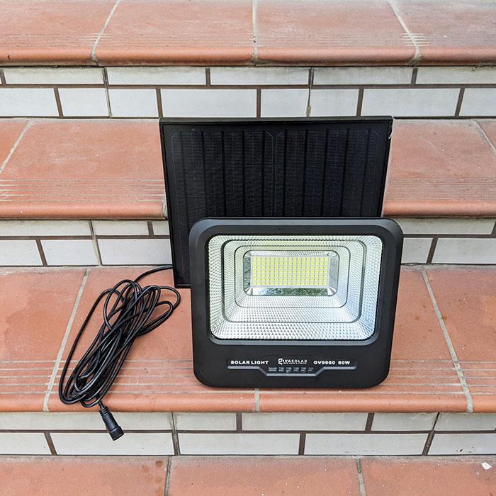 Đèn pha Led năng lượng mặt trời 60W GV9960 2