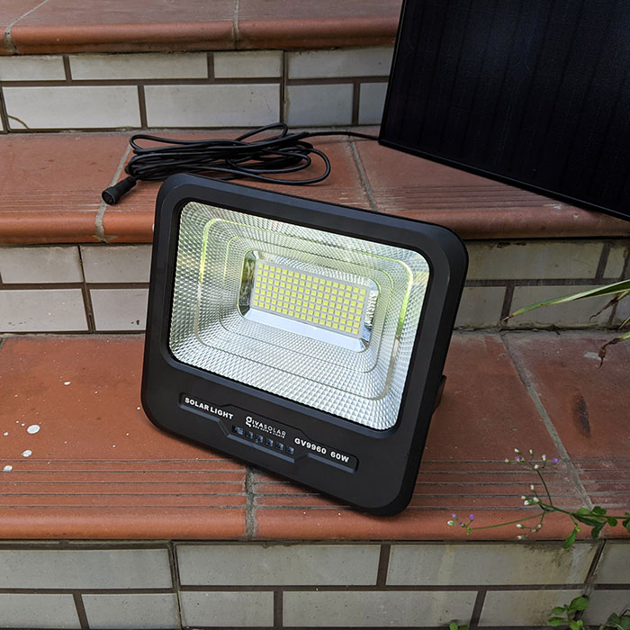 Đèn pha Led năng lượng mặt trời 60W GV9960 4