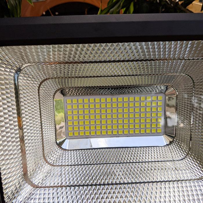 Đèn pha Led năng lượng mặt trời 60W GV9960 8