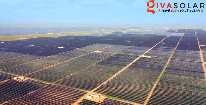 công viên điện mặt trời lớn nhất thế giới